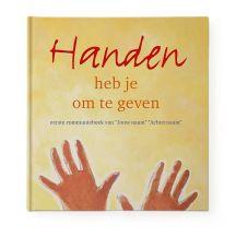 Communieboek - Handen heb je om te geven - Hardcover